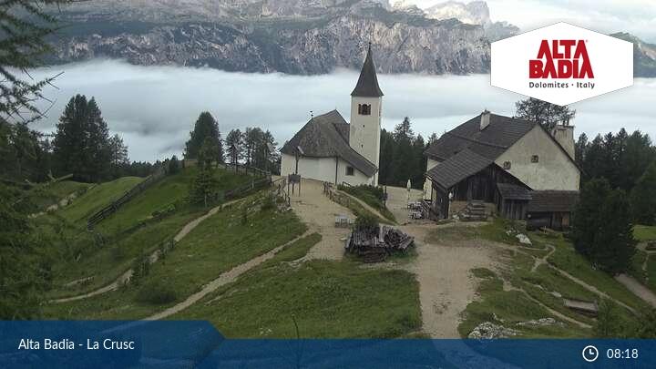 Webcam paese Badia 1324m slm - panorama verso Sas dla Crusc